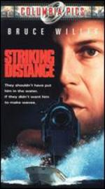 Striking Distance [Vhs Tape] (2001) Bruce Willis; Sarah Jessica Parker; Dennis