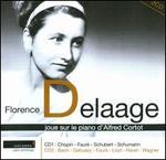 Florence Delaage joue sur le piano d'Alfred Cortot