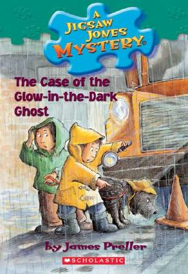 A Jigsaw Jones Mystery #24: The Case of the Glow in the Dark Ghost - Preller, James
