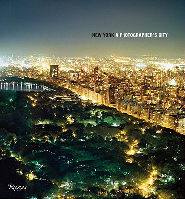 New York: A Photographer's City - Kennedy, Marla (Editor), and Fang, Helena (Editor), and Sussman, Elisabeth, Ms. (Foreword by)